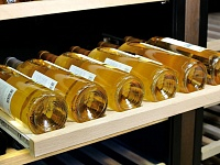 Выдвижная полка для горизонтального хранения вина